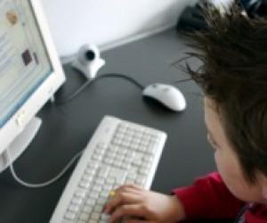 Комп'ютер допомагає дітям розвиватись