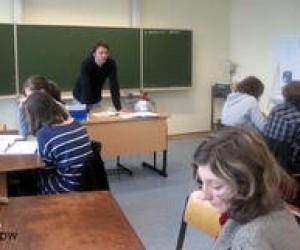 Німецькі викладачі вимушені їхати з України через візові проблеми