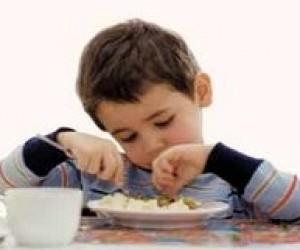 У Києві зникає 50% коштів на харчування дітей у школах, - БЮТ
