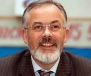 Міністерство освіти змушене виконувати антиправові укази Ющенка, - Д.Табачник