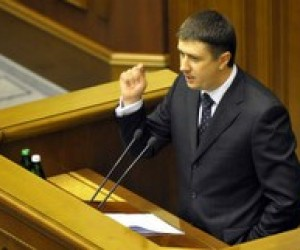 Кириленко знову закликав Януковича відправити Табачника у відставку
