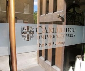 """Програма """"Кембридж-Україна"""": 5 повних стипендій на навчання в магістратурі"""