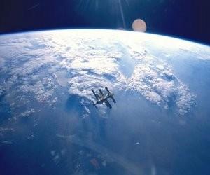 В українських школах відзначать 50-річчя польоту людини в космос