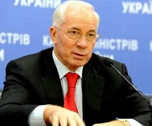 Уряд підвищує стипендії студентам вузів та профтехучилищ, - М.Азаров