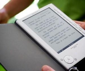 В українських школах пройде випробовування електронного пристрою для читання