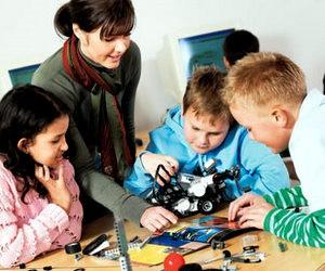 ЛЕГО в школах Києва - програма сприяння освіті