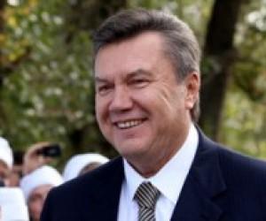 """Янукович розповів про """"знущання і сльози"""" дітей через українську мову"""