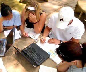 Стажувальна програма для студентів, що вивчають журналістику на 2011 рік