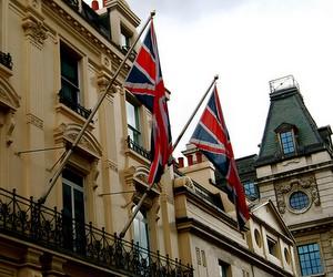 Велика Британія переглядає правила видачі студентських віз