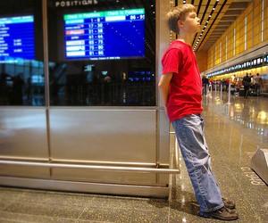 Організація авіаперельоту для неповнолітньої дитини: необхідні документи та послуги авіакомпаній