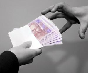 Середній хабар за іспит в українських вузах — 300 грн