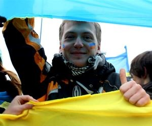 Якого патріотичного виховання потребує українська молодь?