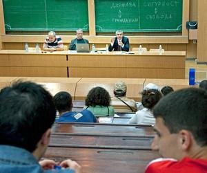 Виграйте рік навчання у вузі Болгарії