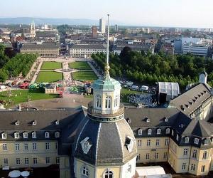 Стипендії для участі у Літній академії Karlshochschule International University