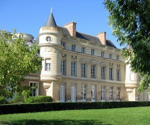 Міжнародна англомовна середня школа Нотр-Дам (Франція)