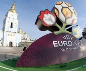 Євро-2012 вплине на графік навчання у вищих навчальних закладах України