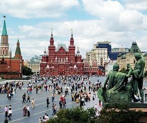 Табачник пропонує створити українські школи в Москві та Санкт-Петербурзі