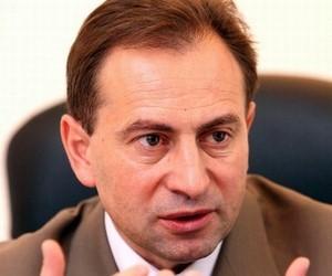 Уряд має проконтролювати вчасне забезпечення підручниками, - Томенко