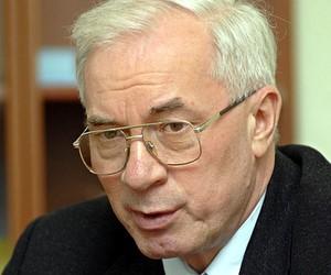 Азаров хоче замінити імпортні шкільні товари вітчизняними