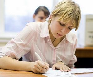 Держава надасть грошову допомогу випускникам педагогічних вузів