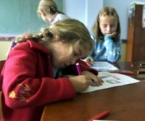 На Прикарпатті відкрили школу, яку будували 20 років