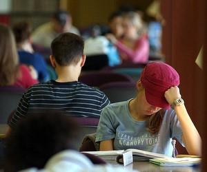 Мінфін вирішив зекономити на студентських стипендіях у 2012 році, - студентські організації