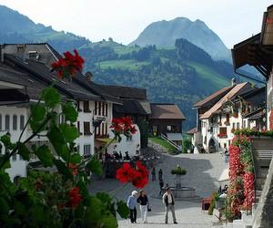 Ознайомчі візити до вузів готельного та ресторанного менеджменту в Швейцарії
