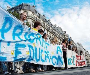 Французькі вчителі протестують проти скорочення робочих місць