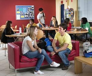Мовний центр Navitas English: Безкоштовні тижні вивчення англійської в Австралії