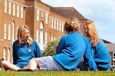 Освіта в Британії: проживання в сім'ї або школа-пансіон?