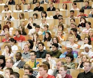 Німецькі університети переживають навалу молоді