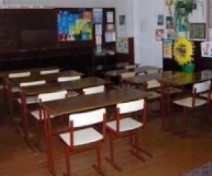 Донецька облрада вирішила позбавитися зайвих шкіл і дитсадків