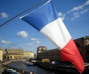 Франція планує полегшити отримання робочих віз іноземними випускниками