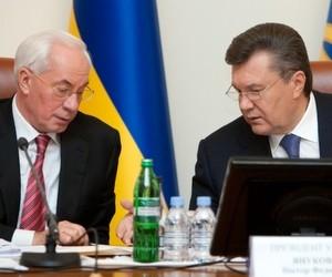 Міністр освіти часто показухою підміняє роботу, - М.Азаров