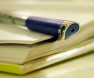 """Депутати вимагають припинити практику """"добровільних"""" відпусток учителів"""