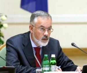 Ніхто не має права позбавляти вчителя заробітної плати, - Д.Табачник