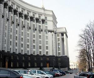 Уряд у 2012 році намагатиметься утримати зарплати освітян на належному рівні