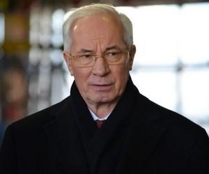 """Азаров консультуватиметься з громадськістю щодо законопроекту """"Про вищу освіту"""""""