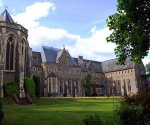 Школа-пансіон St Edmund's School Canterbury (Велика Британія)