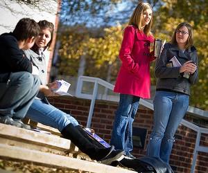 Міжнародна мережа навчальних закладів Education First