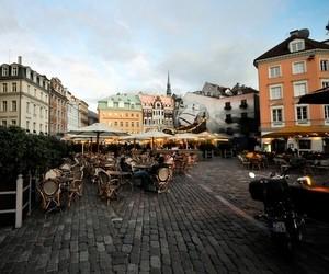 Гранти для навчання на бакалаврській програмі з економіки в Латвії