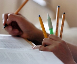 Кількість шкіл в Україні вже менша 20 тисяч