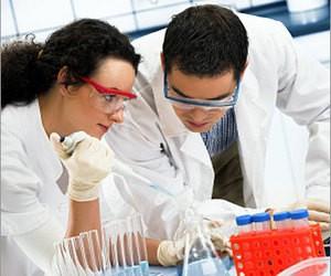 Все більше українських жінок іде в науку