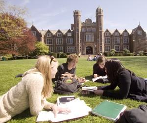 Вибір університету за кордоном: на що варто звернути увагу