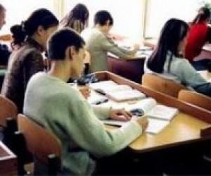 Кримський парламент дозволив учням вибирати мову тестування