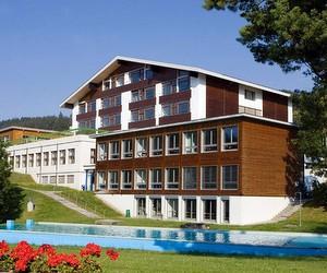 Презентація Міжнародної школи Les Roches International School of Hotel Management