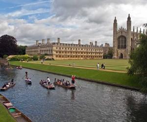 Британські вузи відмовилися вважати іноземних студентів мігрантами