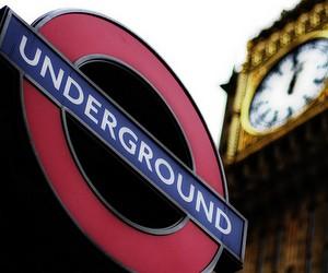 Велика Британія знову ускладнює правила видачі студентських віз