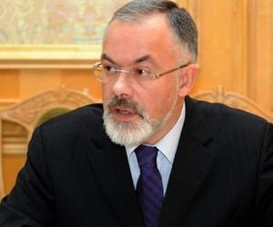 """Міністр Табачник оцінює цьогорічну вступну кампанію як """"прекрасну"""""""