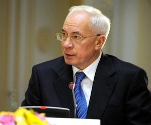 Азаров каже, що уряду важлива точка зору молоді